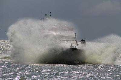 Tipp für diesen Sommer: Trotz stürmischem Seegang und steigendem Meeresspiegel durch digitale Spiele pflügen (Bild: Christian Pohl/pixelio.de)